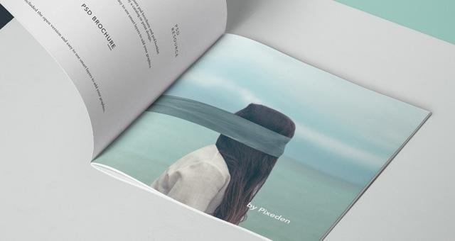 方形宣传册样机Square Psd Brochure Mockup