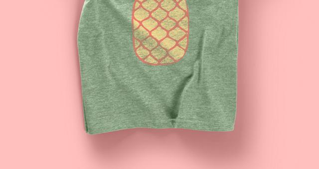 T恤样机Woman Psd Marl T-shirt Mockup
