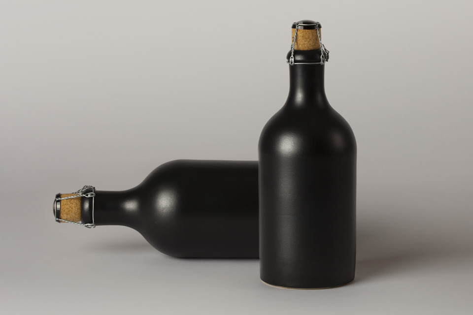 黑暗酒瓶样机Vol2Dark Psd Liquor Bottle Mockup Vol2