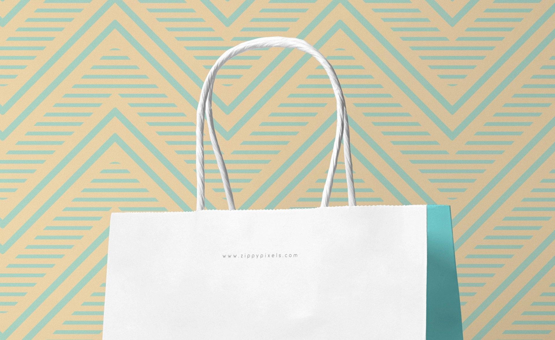 牛皮纸手提袋场景样机  素材305-gift-bag-small-mockup-free