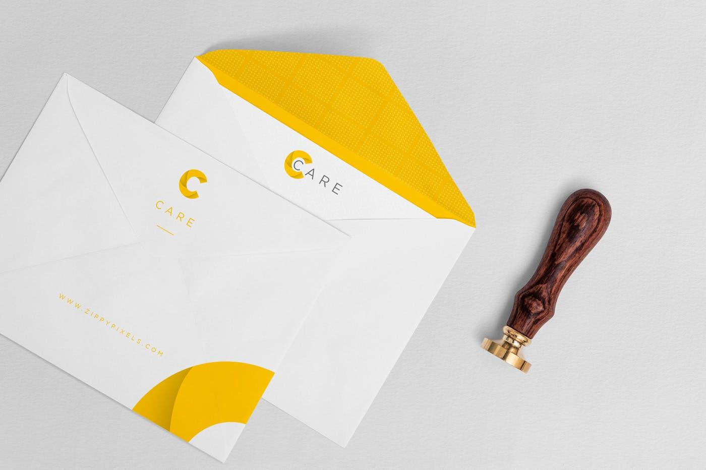 品牌VI信封邀请函样机素材展示Classy Invitation Card Mockups