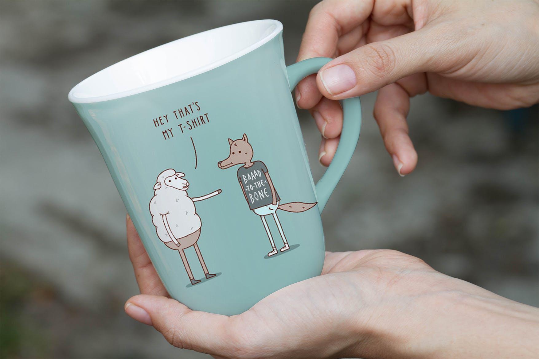 手持饮水杯卡通孟系列多场景卡通被子样机Large Mug Mock Up