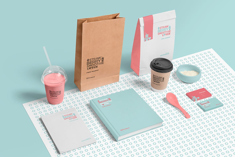 透明塑料冰淇淋奶茶杯子样机模板  品牌样机模板Transparent Plastic Ice Cream Cup Mockups