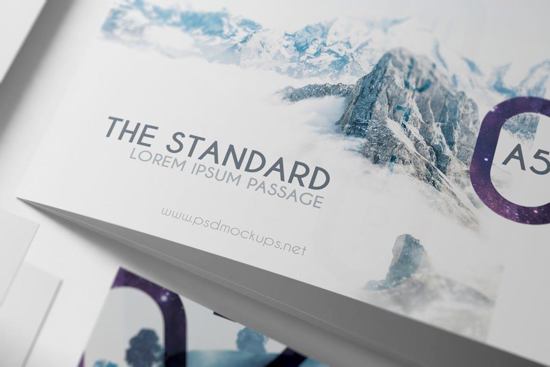 A5尺寸三折页样机素材模板展示下载3xA5 Landscape Trifold Brochure Mock-up V2