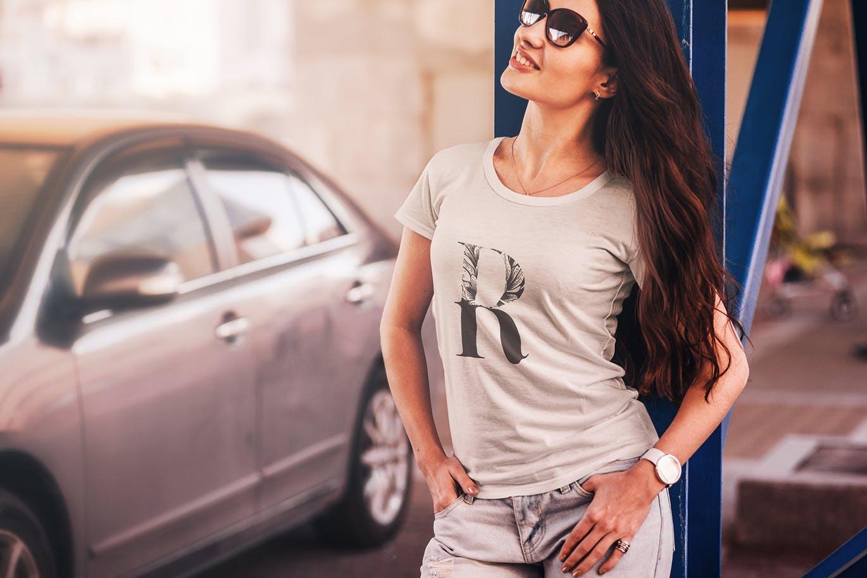 时尚高端逼真质感的T恤服装设计VI样机展示模型mockups t-shirt-fashion-mock-up