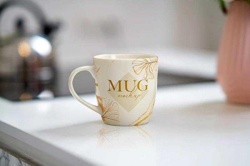 手拿陶瓷马克杯子展示样机cup图案/Logo设计效果图样机模板mockups BZyjbz_200918013